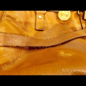 Michael Kors Bags - Authentic leather Micheal Kors Purse